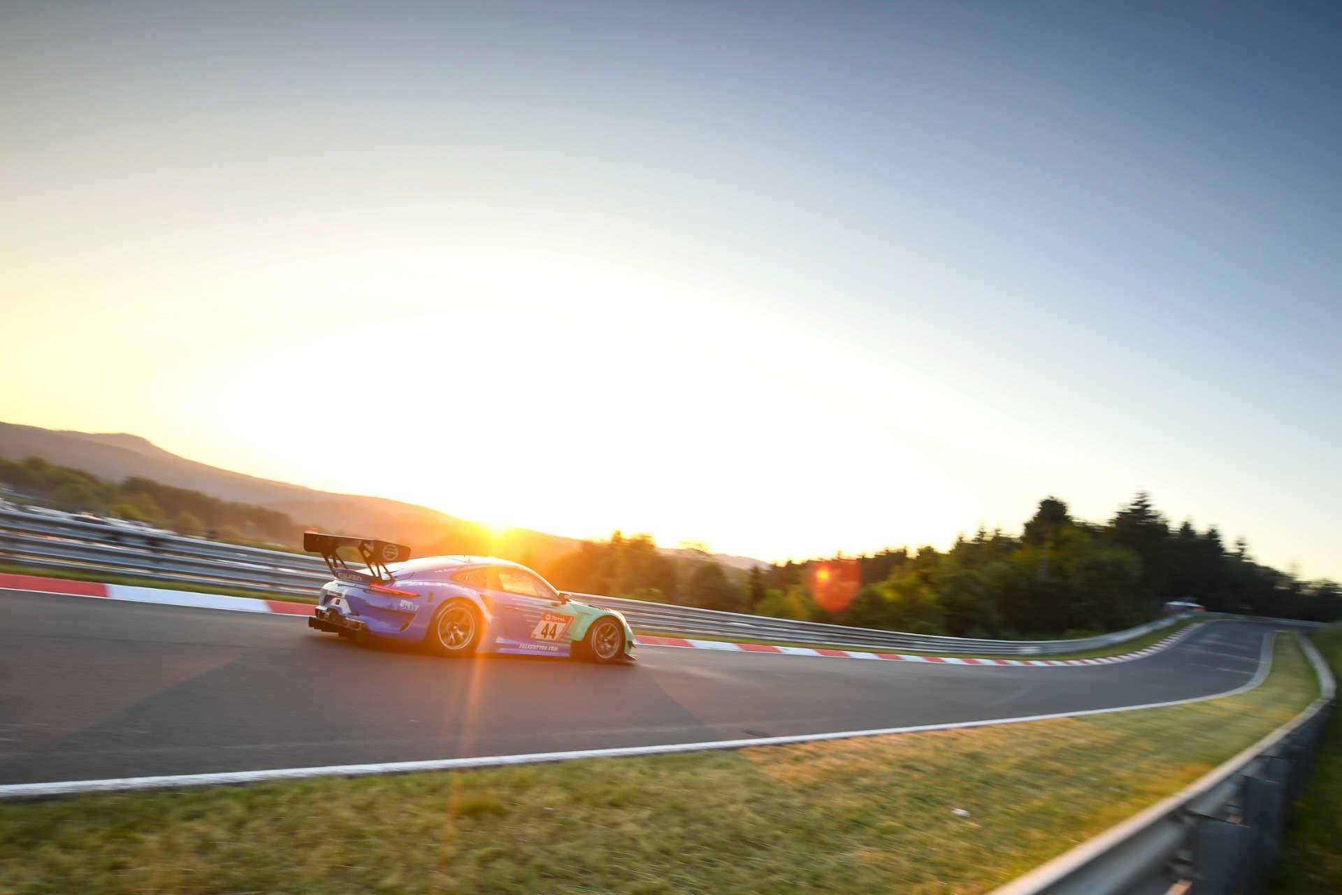 Porsche 911 GT3 R von Falken Motorsport