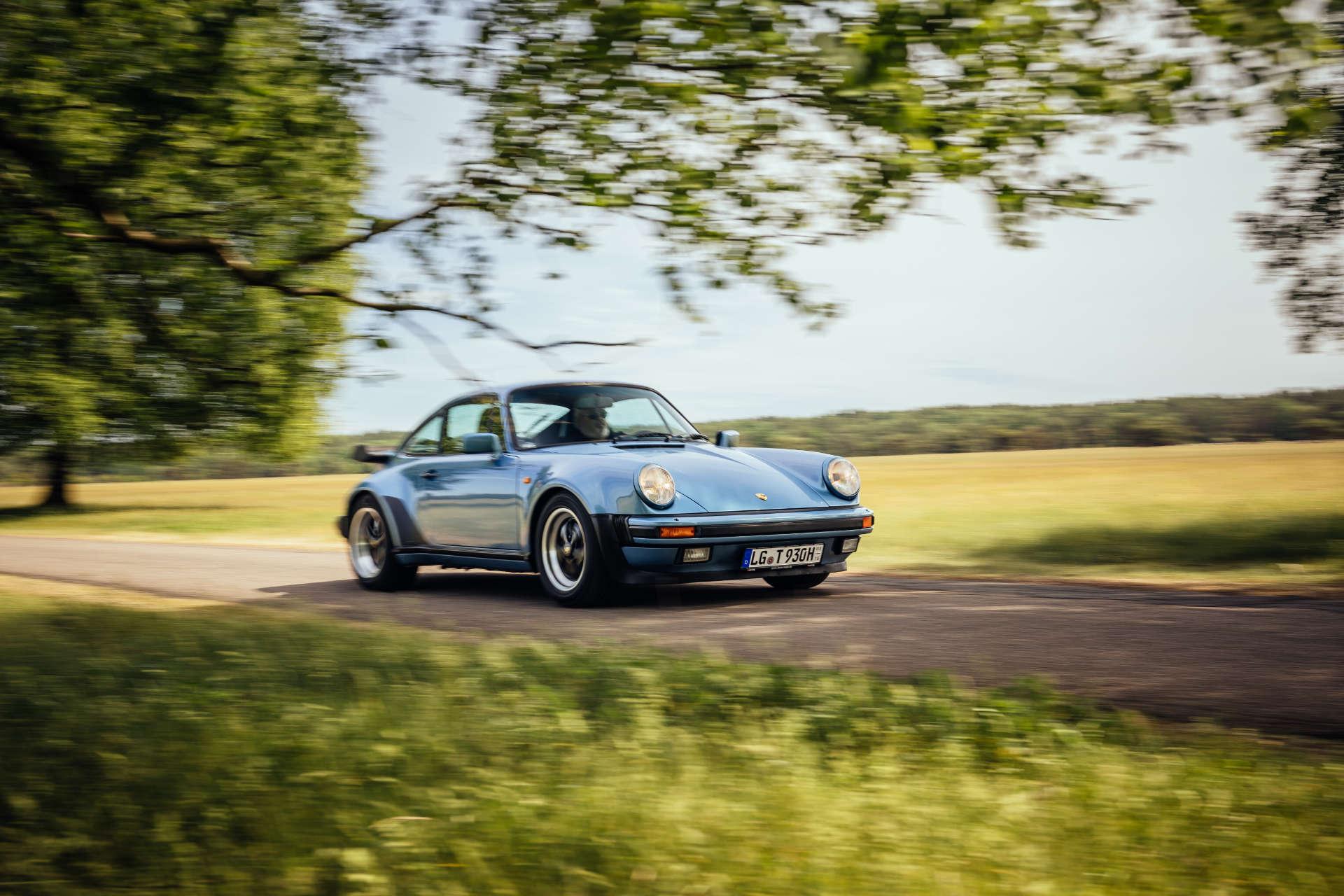 Porsche 911 Turbo 3.3 - Fahraufnahme