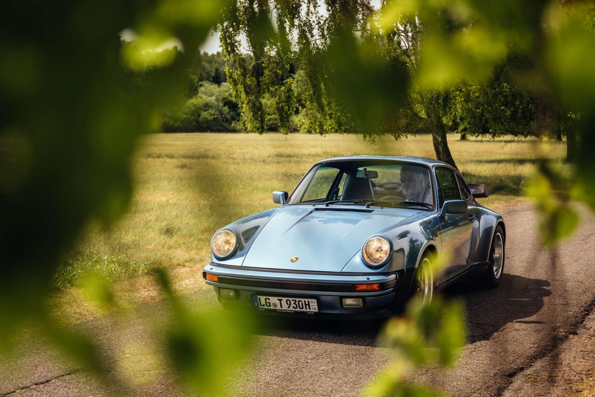 Porsche 911 Turbo 3.3 - Front
