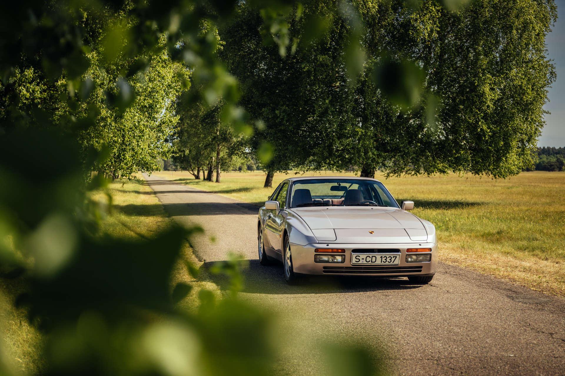 Porsche 944 Turbo S - Front