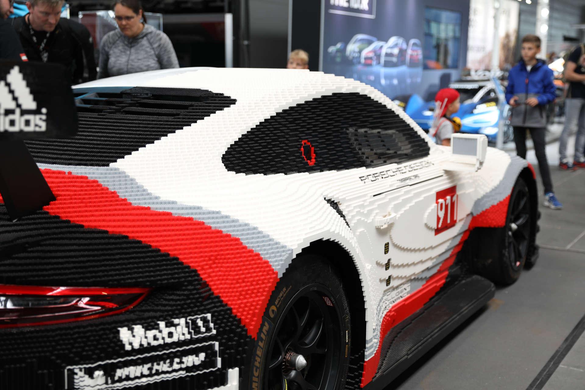 LEGO Technic Porsche 911 RSR auf dem Nürburgring