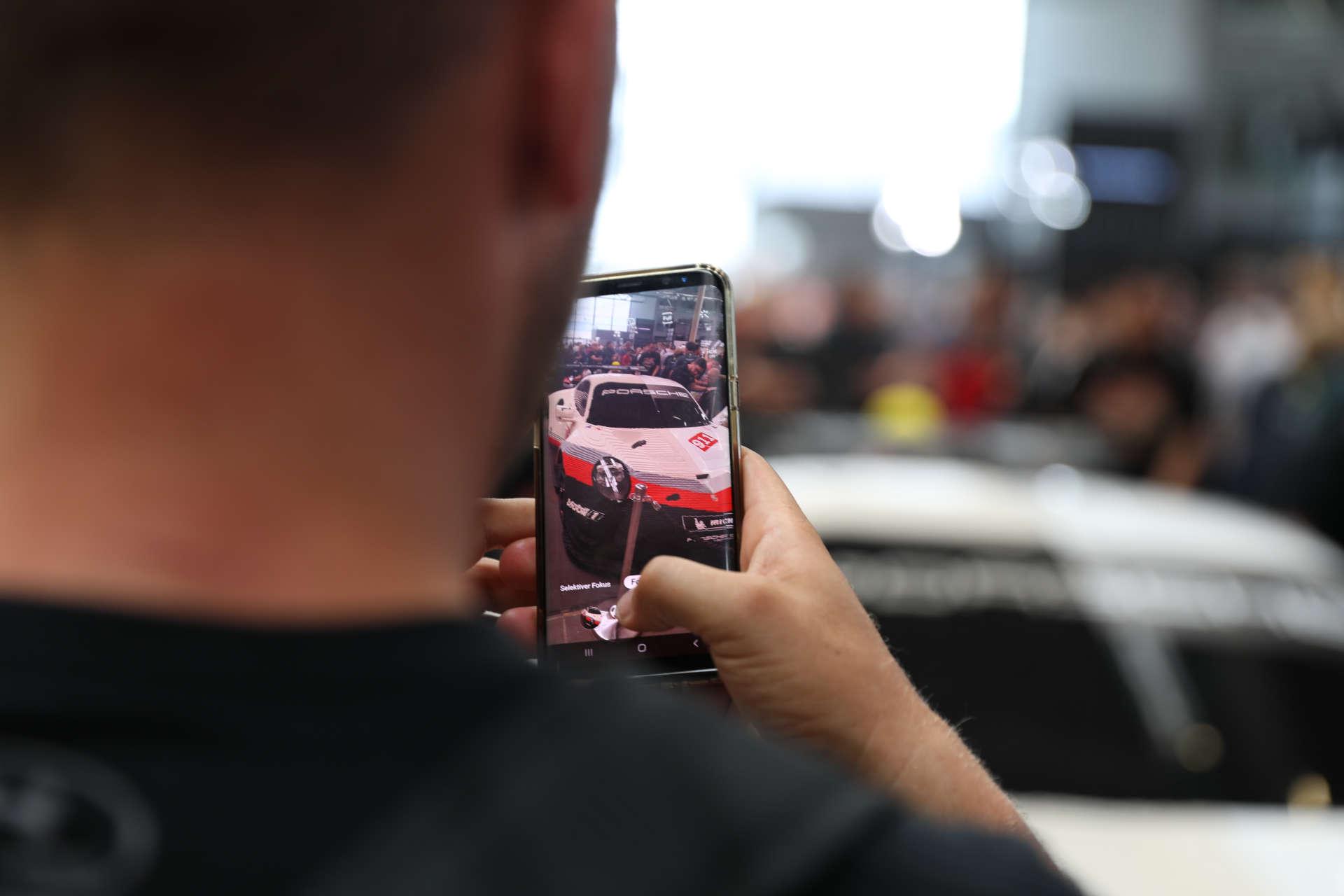 LEGO Technic Porsche 911 RSR als Publikumsmagnet