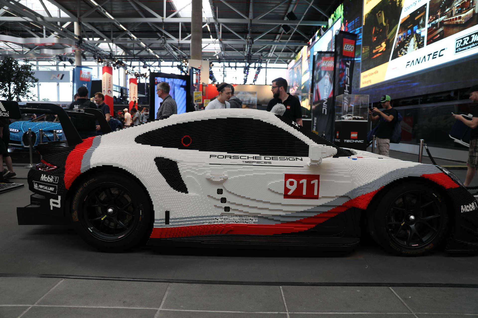 LEGO Technic Porsche 911 RSR beim 24h-Rennen