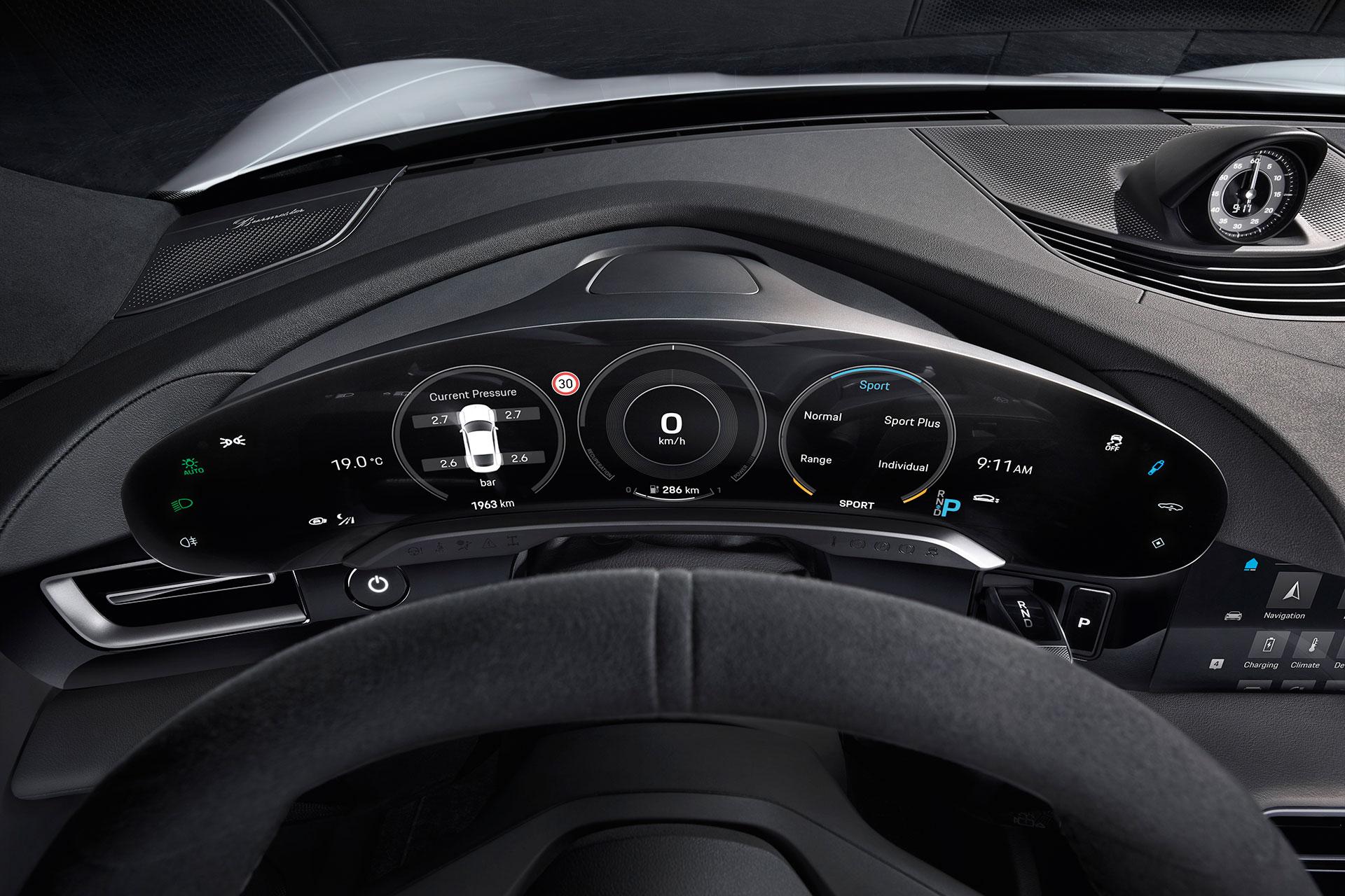 Porsche Taycan Kombiinstrument