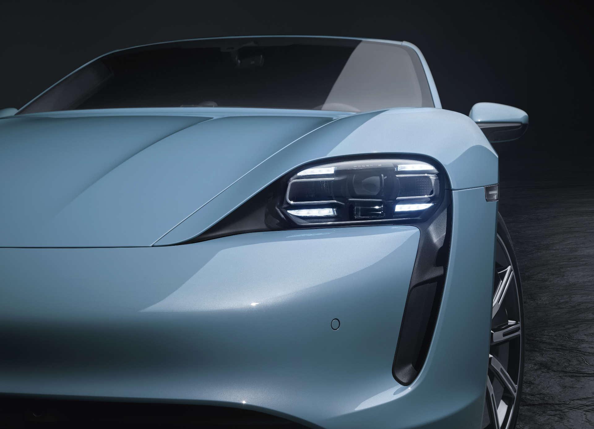 Scheinwerfer des Porsche Taycan 4S