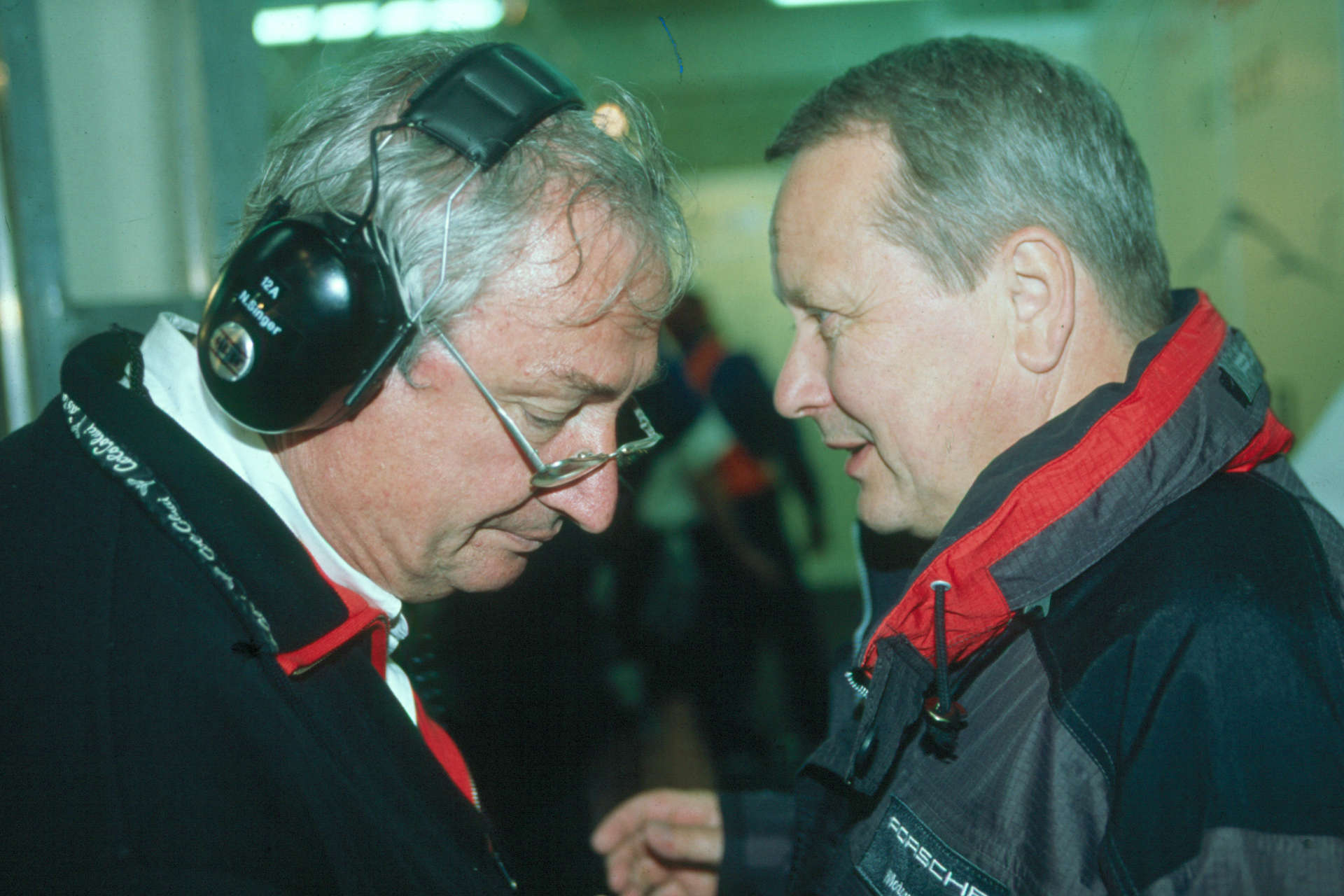 Norbert Singer zusammen mit Dr. Wolfang Porsche.
