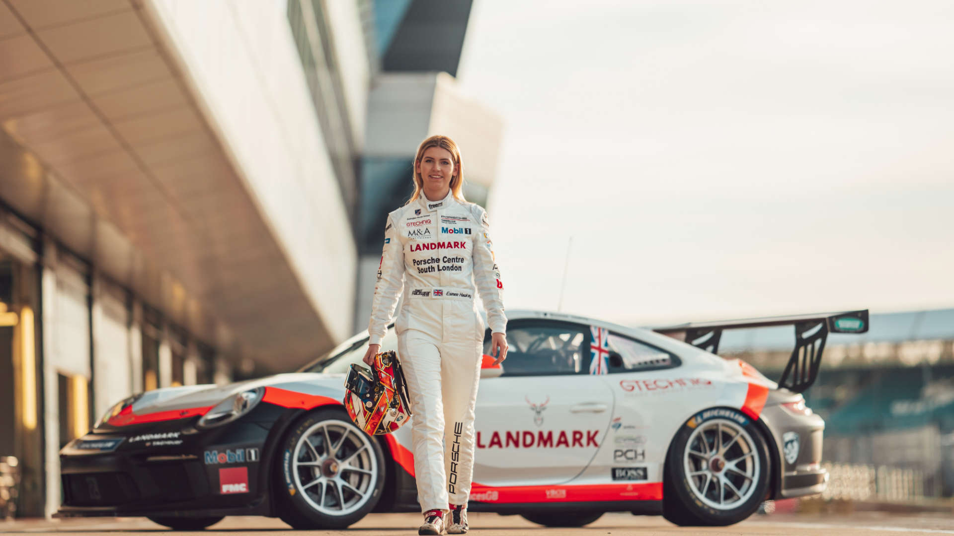 Esmee Hawkey 911 GT3 Cup