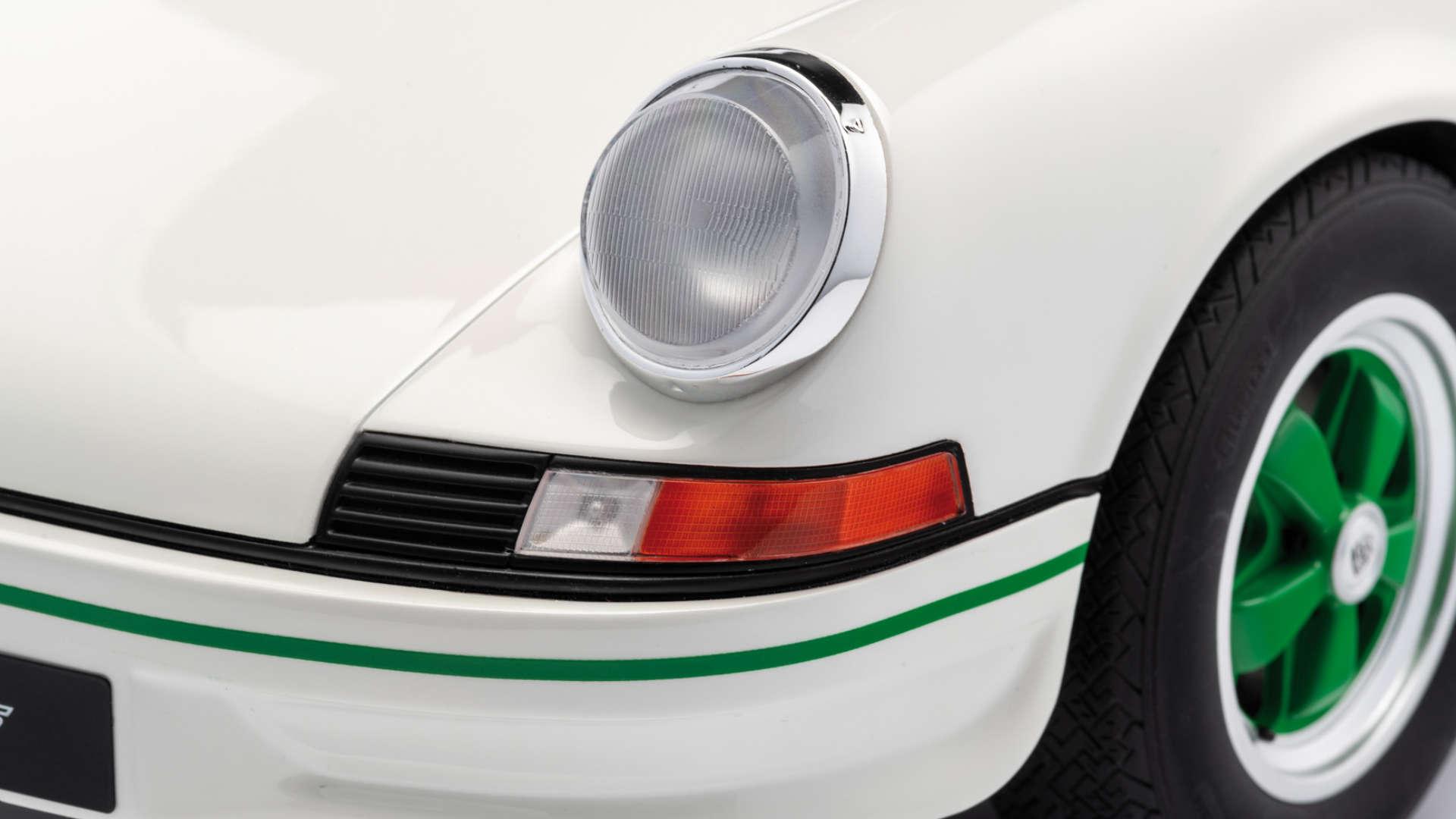 Minichamps PORSCHE 911 CARRERA RS 2.7 LEICHTBAU