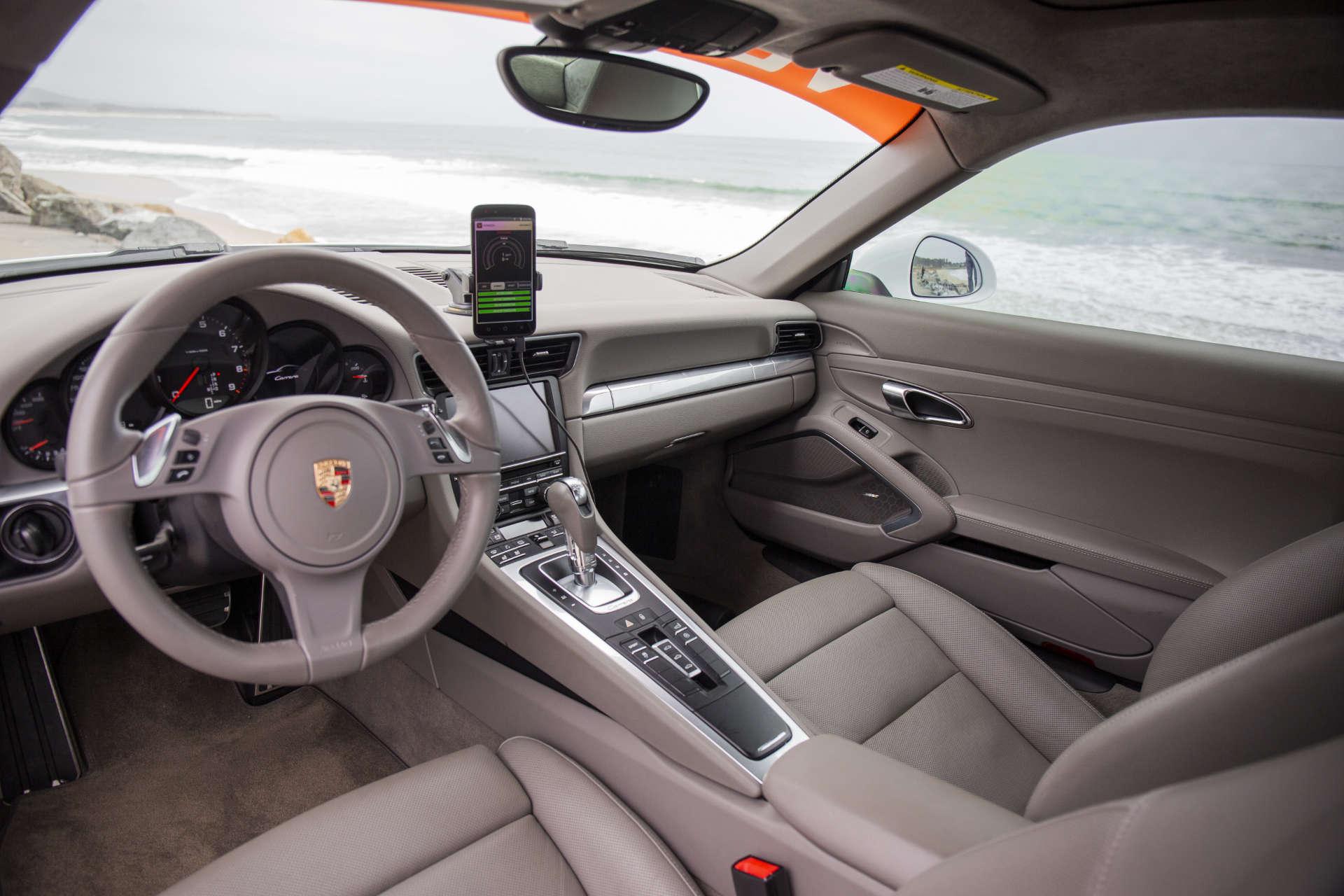 Hybrid Porsche 911 Vonnen Shadow Drive Interior