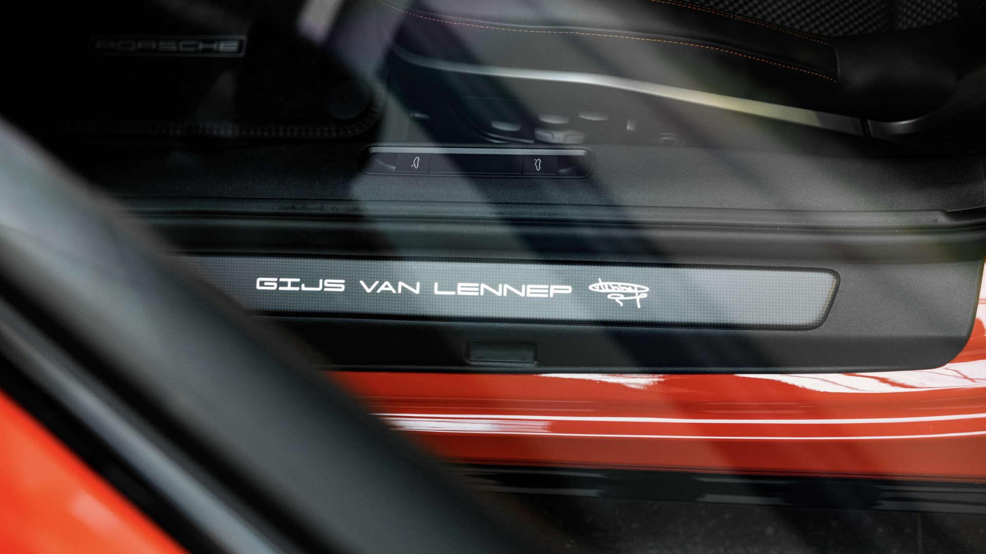 Gijs van Lennep Schriftzug Porsche 911