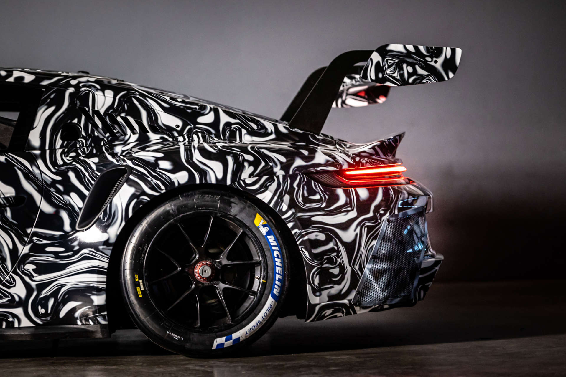 Porsche 911 GT3 Cup getarnt Flügel