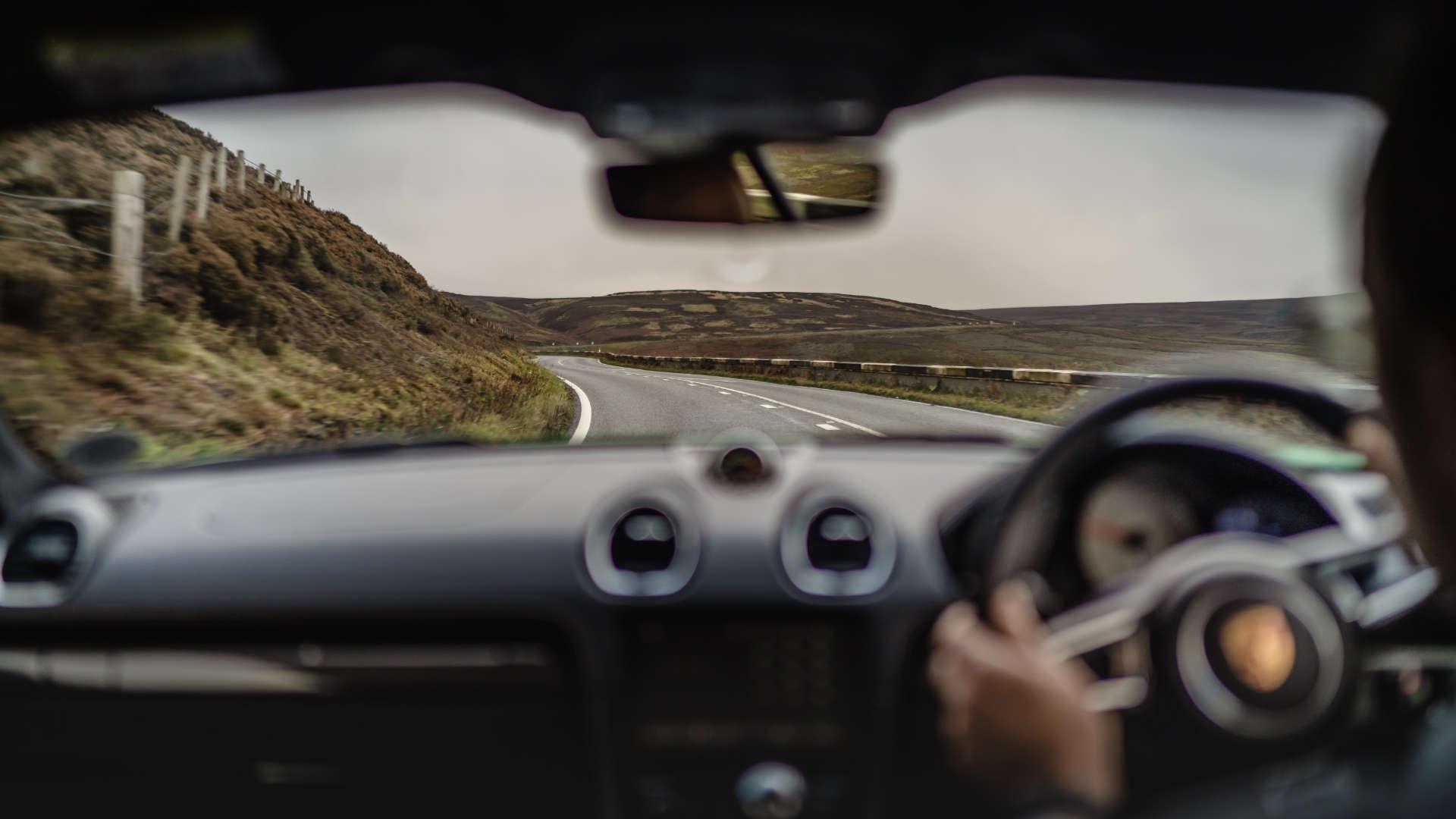 Porsche 718 Cayman GTS innen Snake Pass