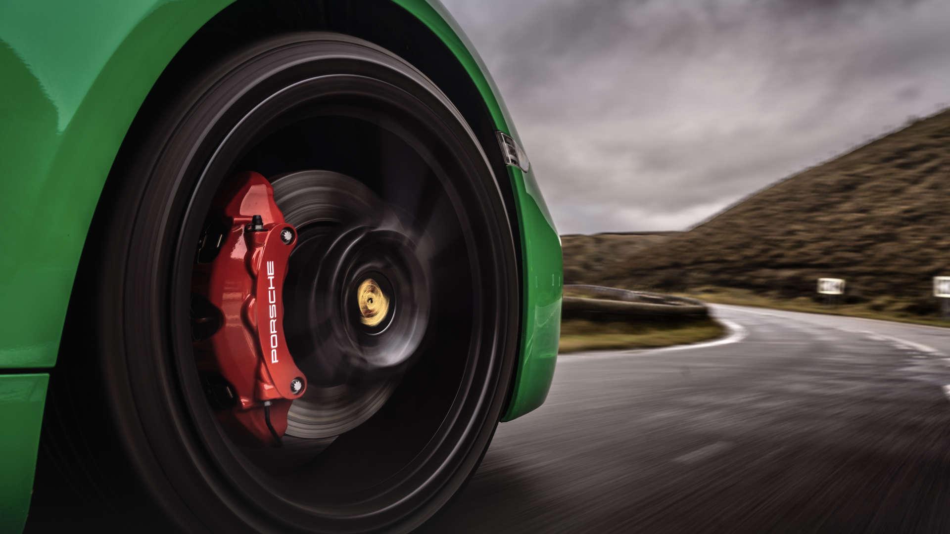 Porsche 718 Cayman GTS Rad Snake Pass