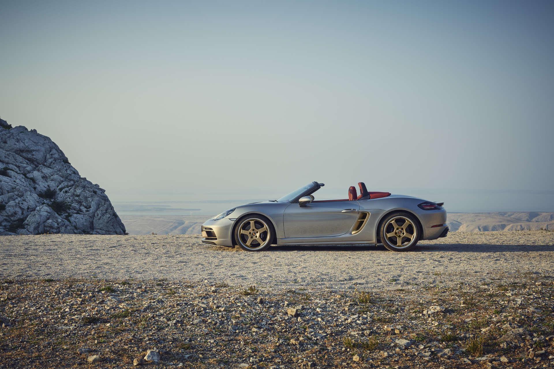 Porsche Boxster 25 Jahre Seite