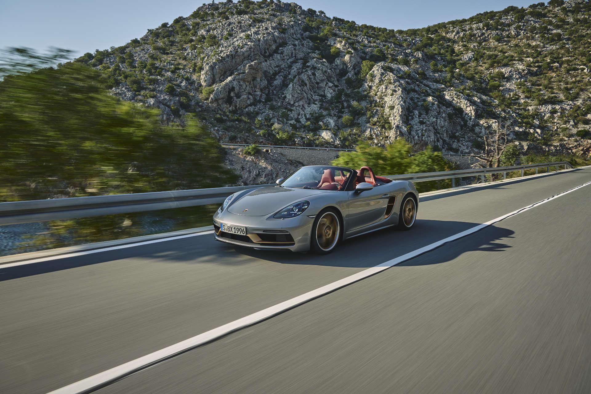 Porsche Boxster 25 Jahre Fahrt