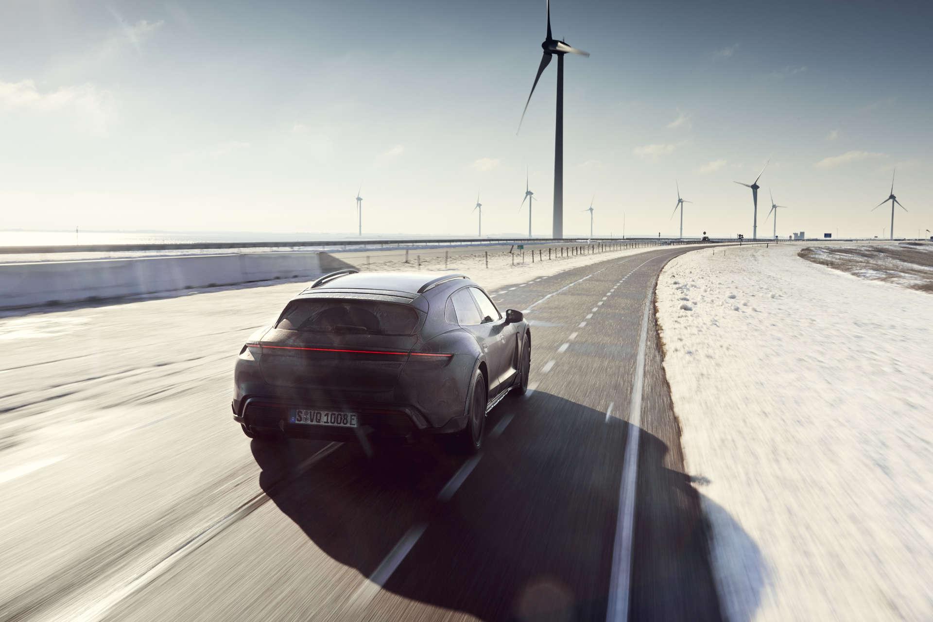 Porsche Taycan Cross Turismo Testfahrt Niederlande