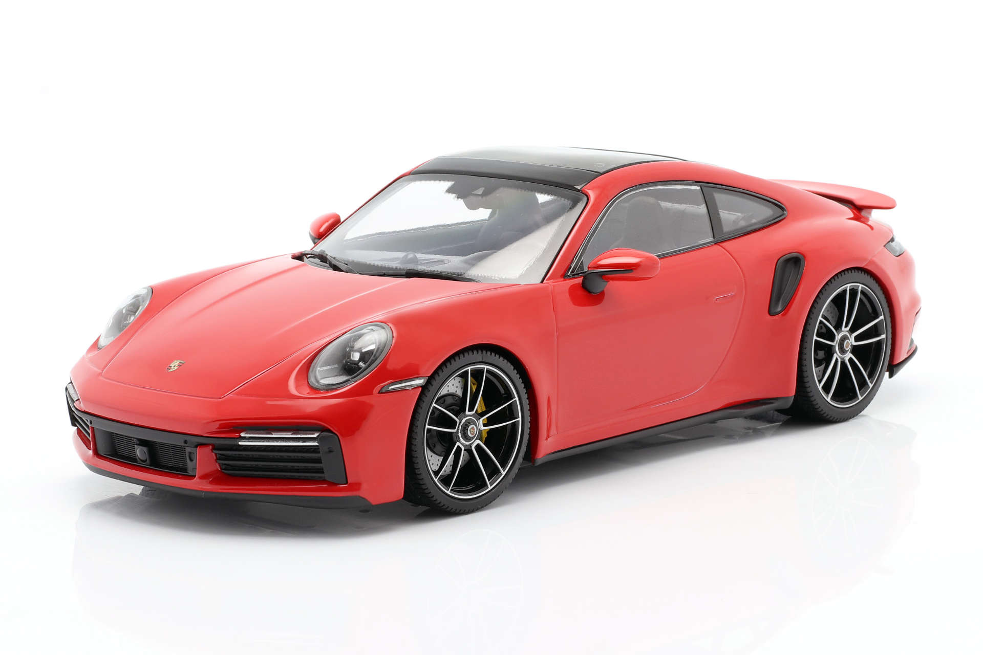 Minichamps Porsche 911 992 turbo indischrot
