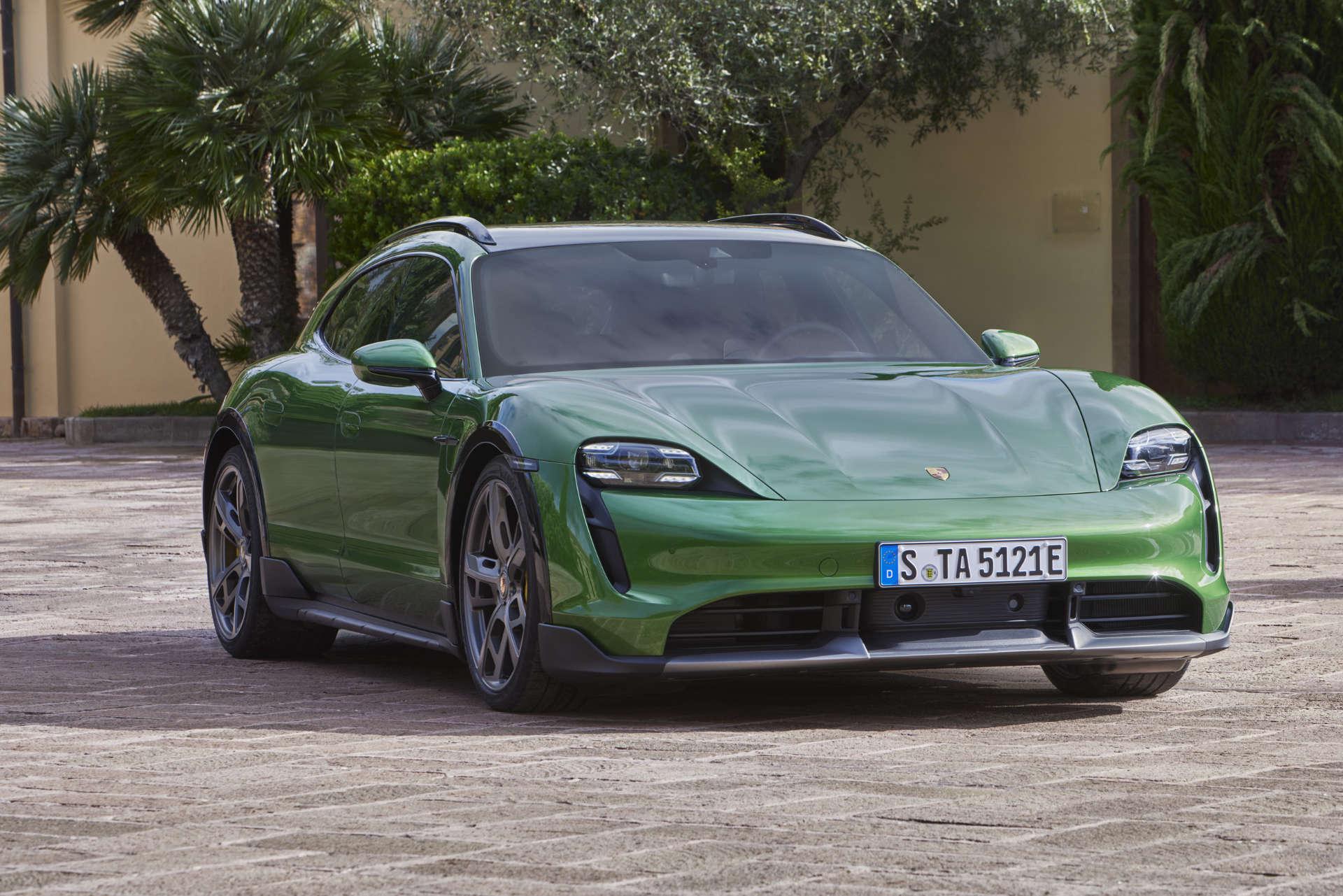 Weltpremiere Porsche Taycan Cross Turismo Front