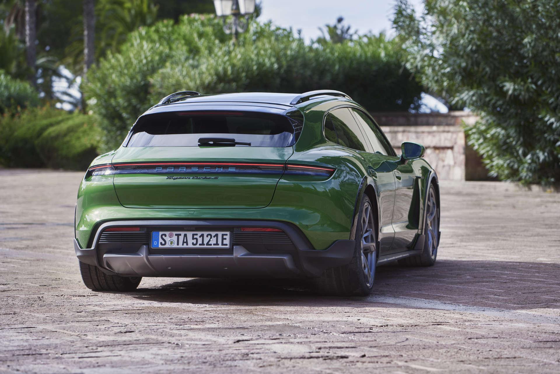 Weltpremiere Porsche Taycan Cross Turismo Heck