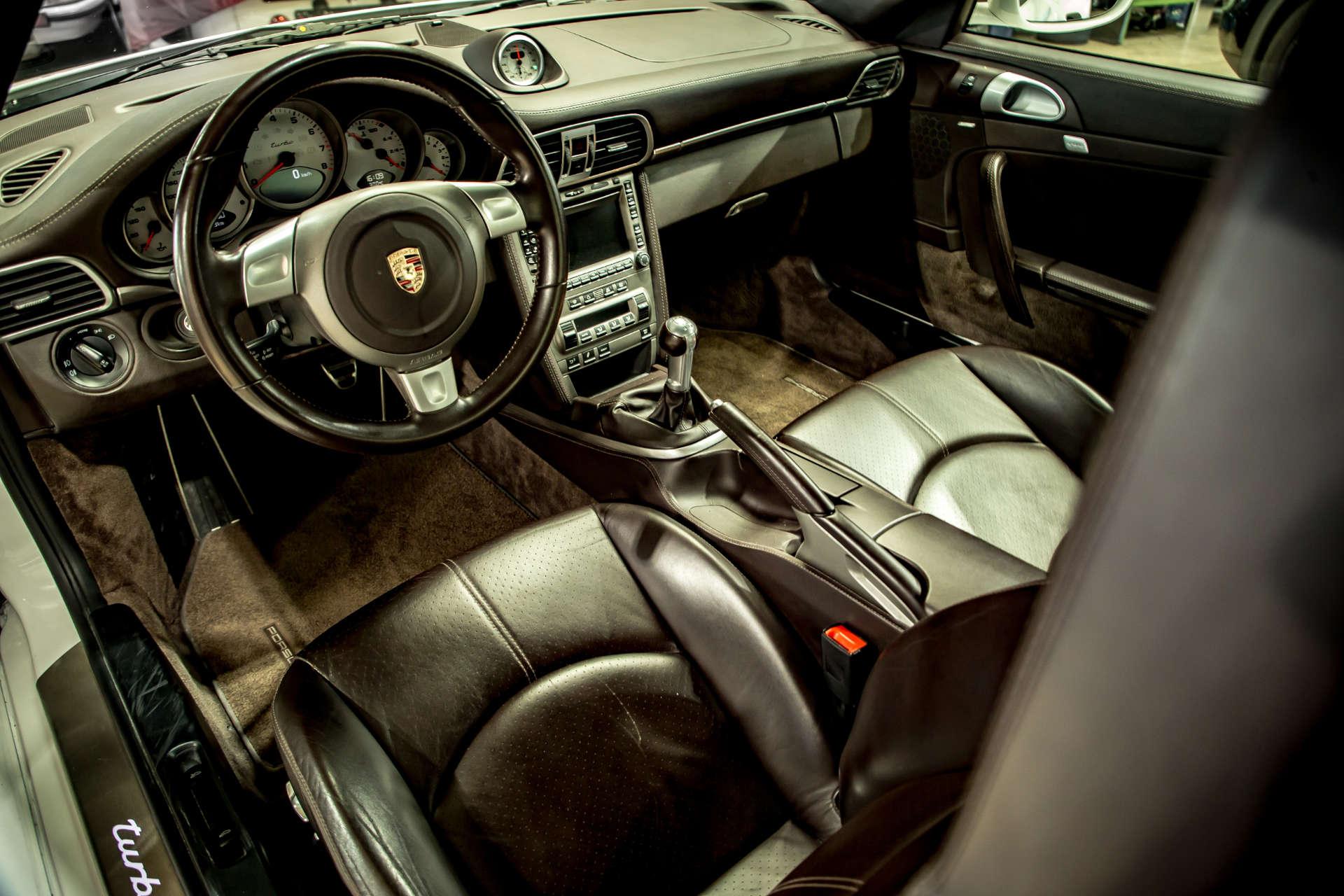 Kremer 997 K3R Innenraum