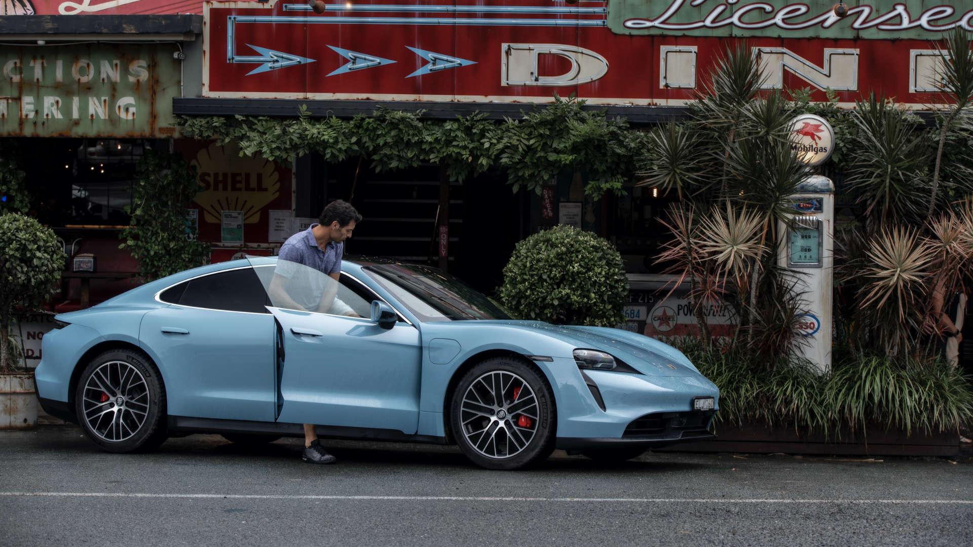 Mark Webber Porsche Taycan