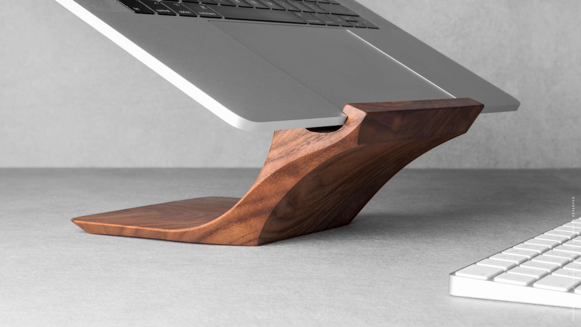 Yohann MacBook Stand Walnuss Holz
