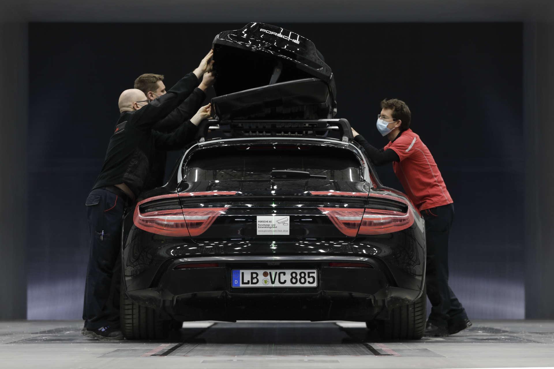 Porsche Dachbox Öffnung