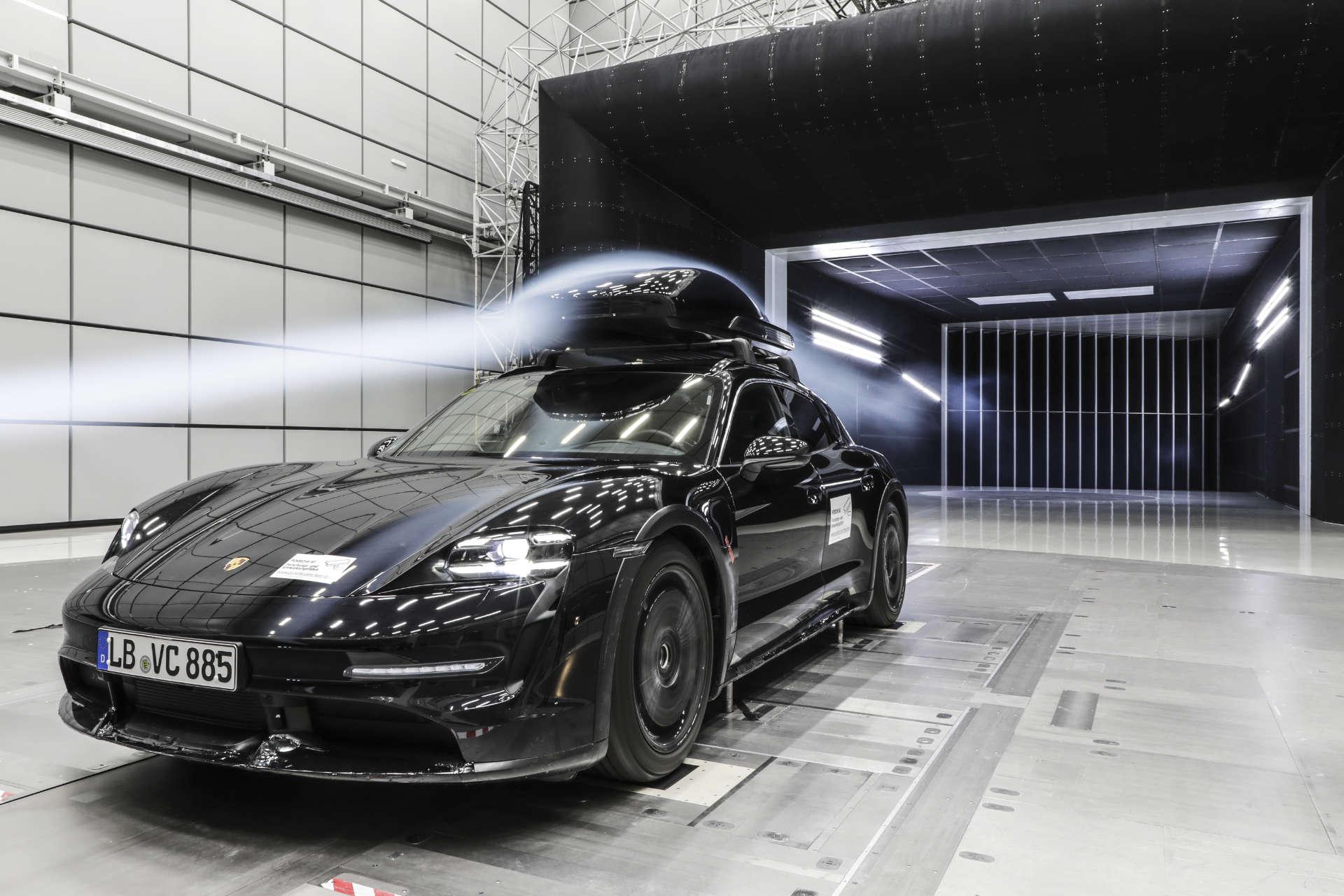 Porsche Dachbox Windkanal