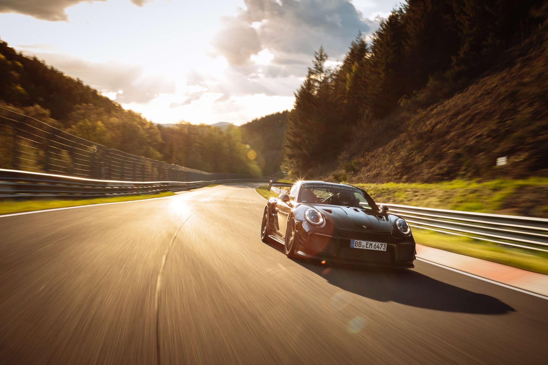 911 GT2 RS Rekordfahrt Nürburgring Sonne Front