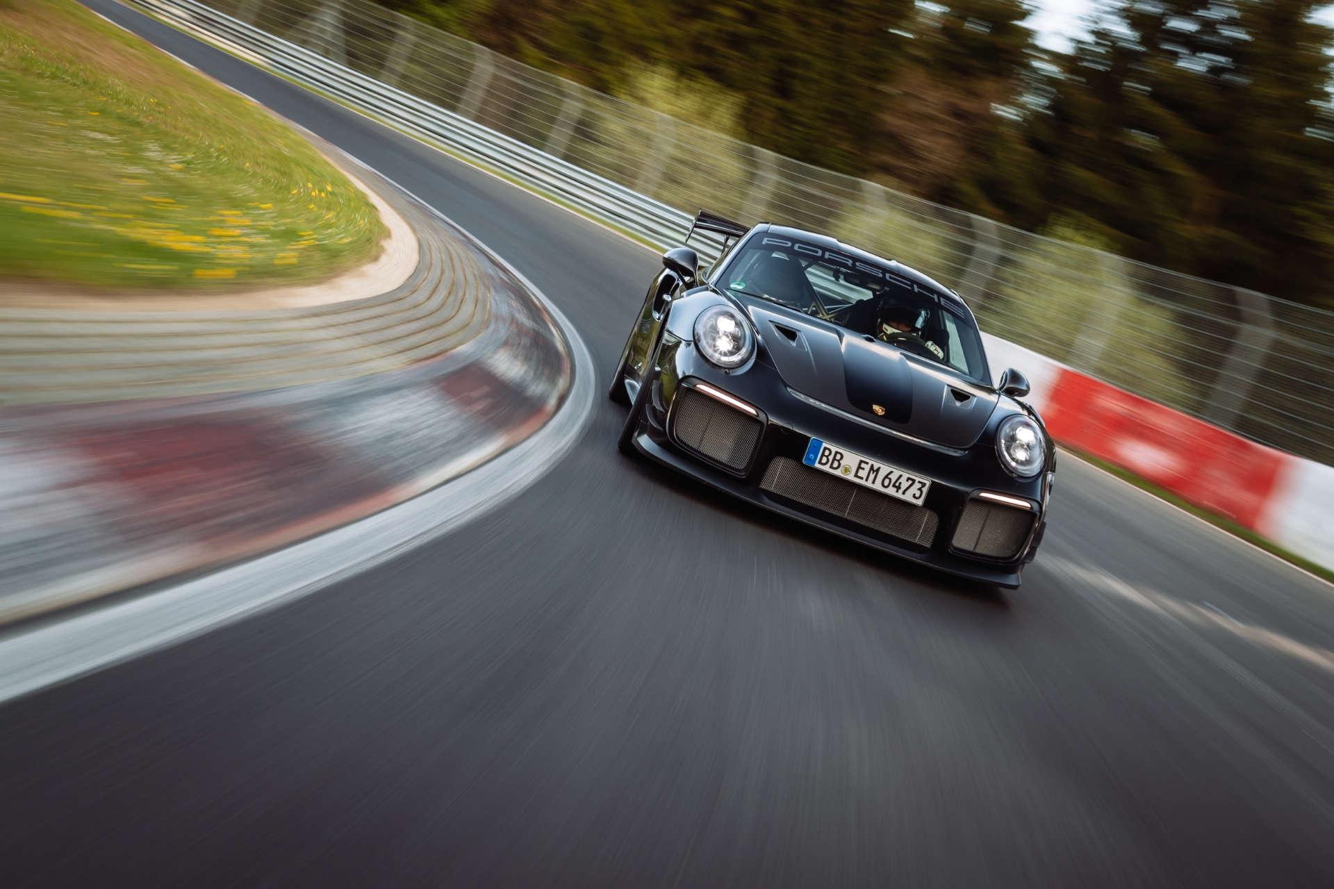 Porsche 911 GT2 RS Rekordfahrt Nürburgring Front
