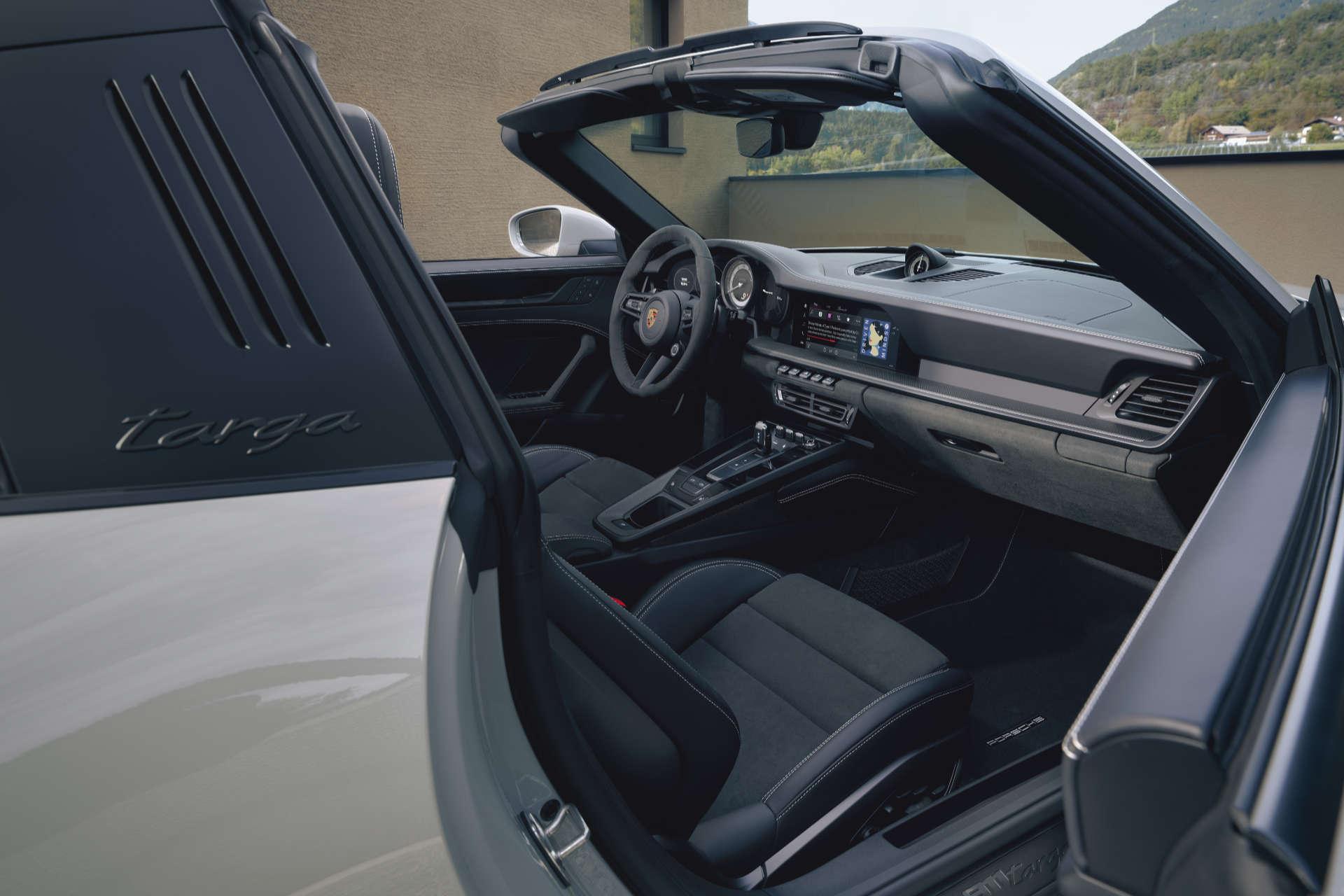 Porsche 911 Targa GTS Innenraum