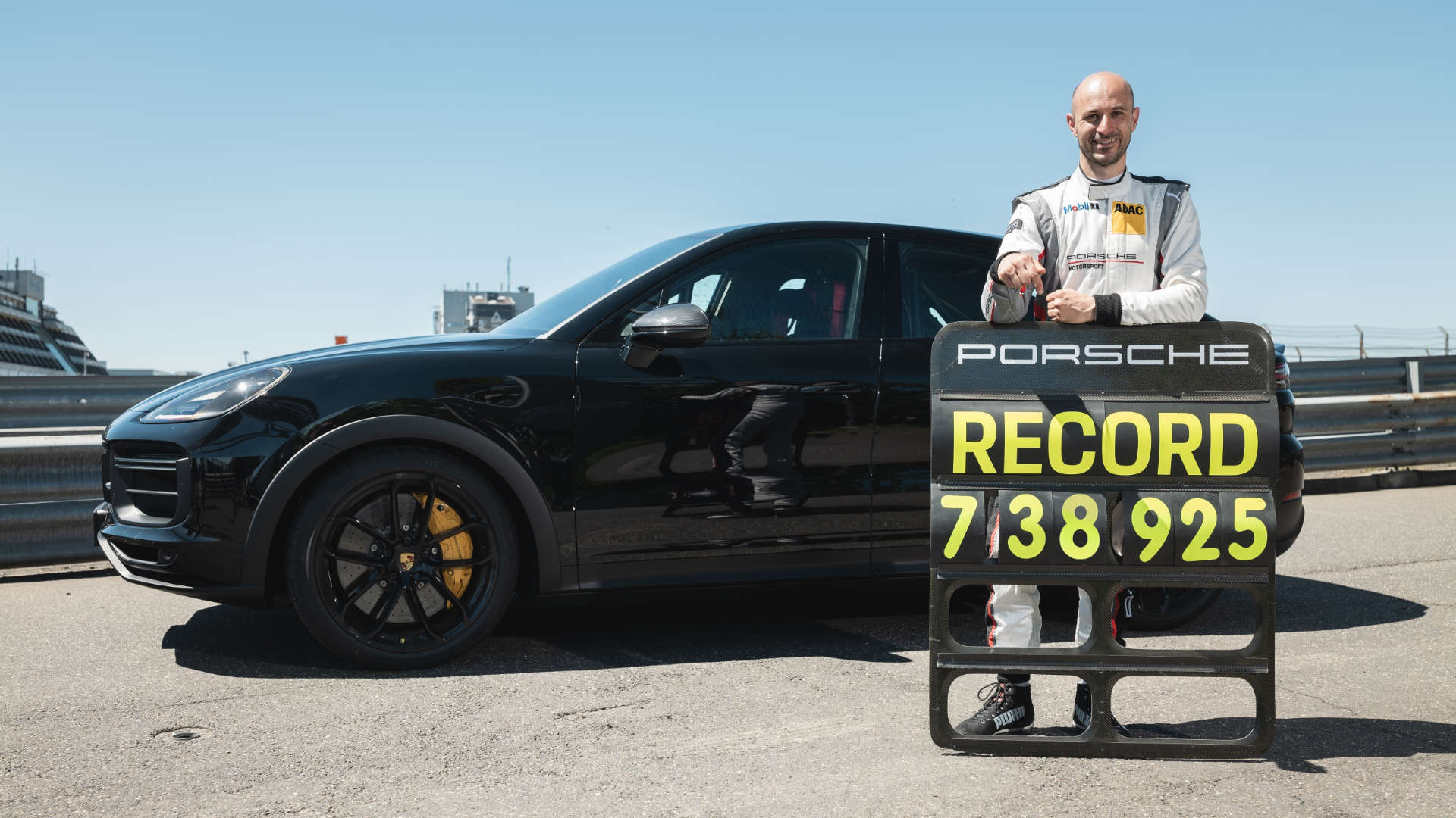 Porsche Nürburgring Rekord Lars Kern