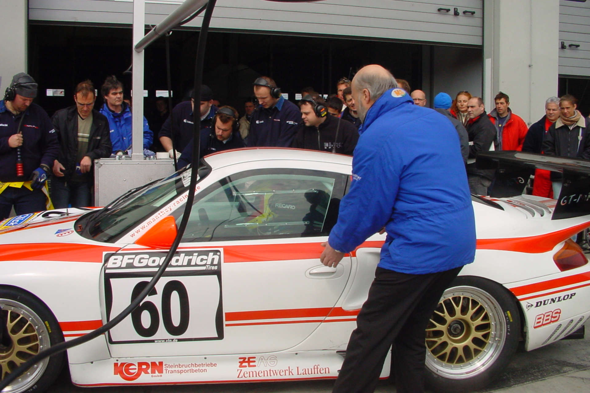 Timo Bernhard im Cockpit